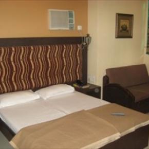 Hostele i Schroniska - Hotel Highway Residency