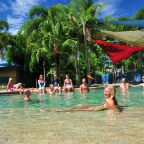 Hostele i Schroniska - Nomads Cairns