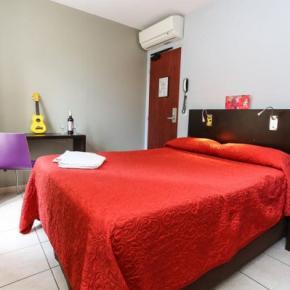 Hostele i Schroniska - Le Montclair Hostel