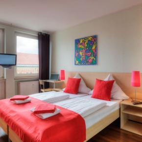 Hostele i Schroniska - MEININGER Hotel Munich  City Center