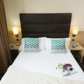 Hostele i Schroniska - Hotel Apogia Nice
