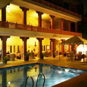 Hostele i Schroniska - Suryaa Villa