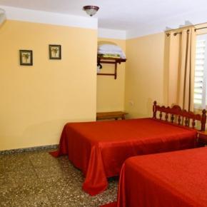 Hostele i Schroniska - Casa Particular 'Villa el Coral'