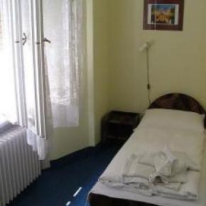 Hostele i Schroniska - Deak Budapest