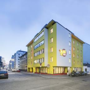 Hostele i Schroniska - a and t Holiday Hostel