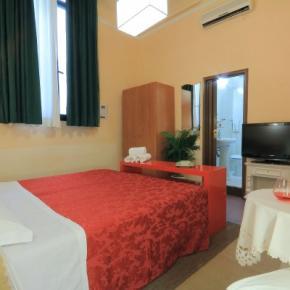 Hostele i Schroniska - Hotel Toscana Firenze