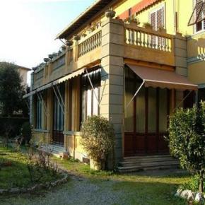 Hostele i Schroniska - BnB Antica Piazza dei Miracoli