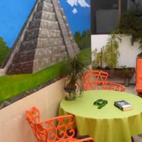 Hostele i Schroniska - Mundo Maya Hostel