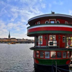 Hostele i Schroniska - The Red Boat