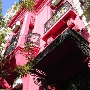 Hostele i Schroniska - The Pink House