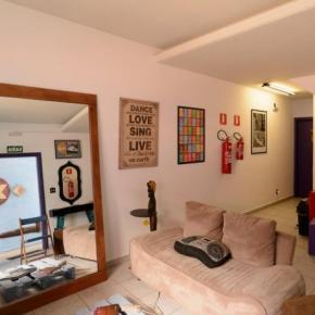 Hostele i Schroniska - Kéra Smart Hostel