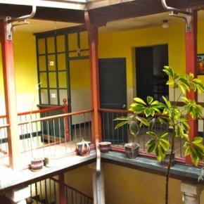 Hostele i Schroniska - Sunshine Quito Hostal