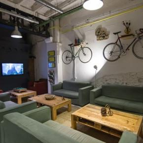 Hostele i Schroniska - Bed & Bike Barcelona