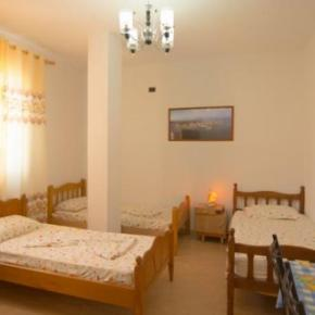 Hostele i Schroniska - Almiri Guest House