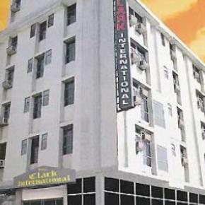 Hostele i Schroniska - Hotel Clark International