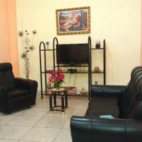 Hostele i Schroniska - Hostal Cuba 215