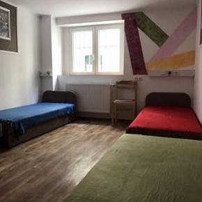 Hostele i Schroniska - OperaHostel Budapest