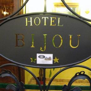 Hostele i Schroniska - Hotel Bijou