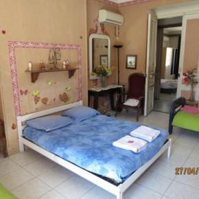 Hostele i Schroniska - Chambres Chez l'Habitant Chez Brigitte.B