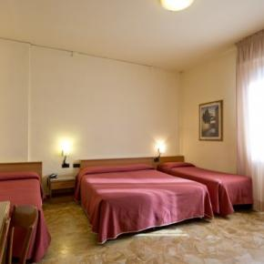 Hostele i Schroniska - Careggi Hotel