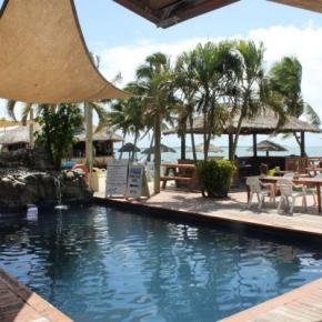 Hostele i Schroniska - Smugglers Cove Beach Resort and Hotel