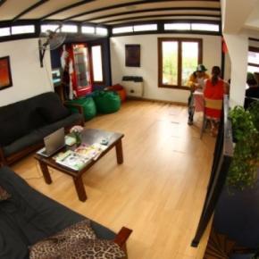 Hostele i Schroniska - Garden House BA