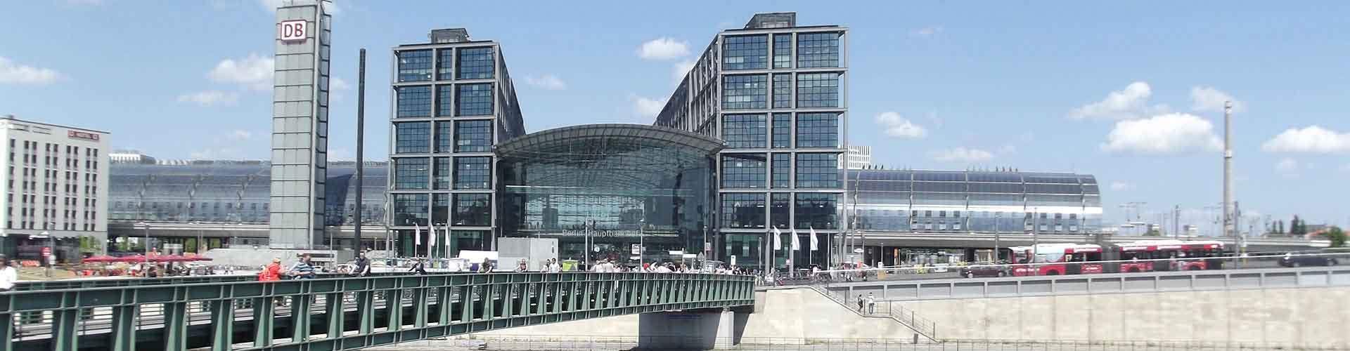 Berlin - Hostele w pobliżu: Berlin Ostbahnhof. Mapy: Berlin, Zdjęcia i Recenzje dla każdego hostelu w mieście: Berlin.