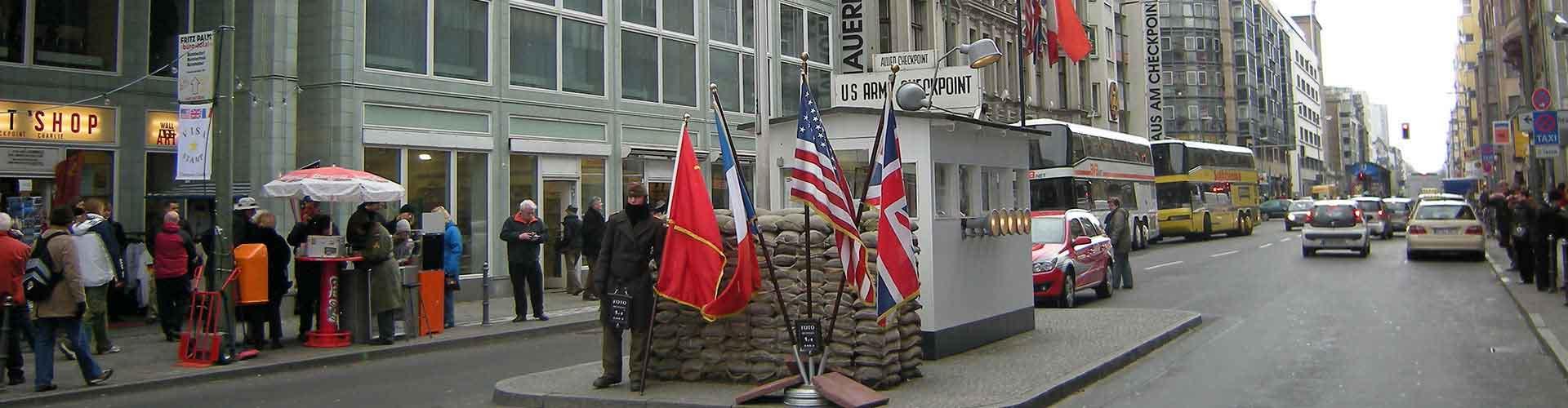 Berlin - Hostele w pobliżu: Checkpoint Charlie. Mapy: Berlin, Zdjęcia i Recenzje dla każdego hostelu w mieście: Berlin.