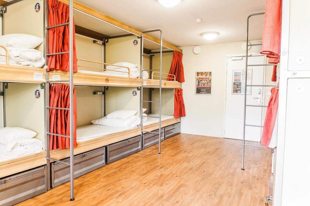 10 łóżek pod