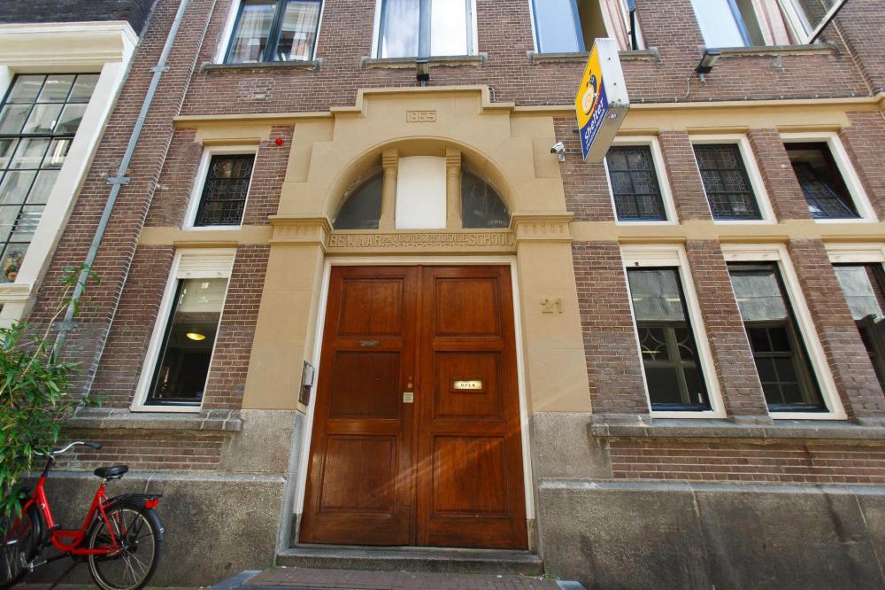 Nasz ponad 100-letni budynek w dzielnicy Barndesteeg