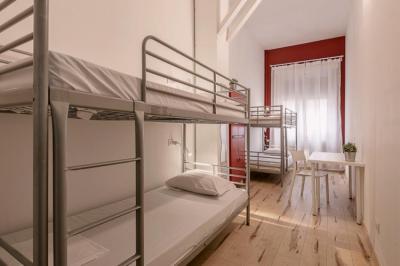 Hostele i Schroniska - Queen Hostel