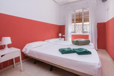 Hostele i Schroniska - Feel Hostel City Center
