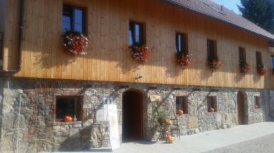 Hostele i Schroniska - Youth Hostel ARS VIVA