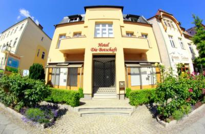 Hostele i Schroniska - Die Botschaft Hostel
