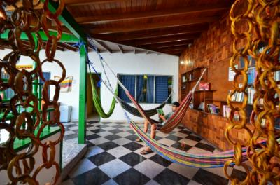Hostele i Schroniska - The Wandering Paisa Backpackers Hostel