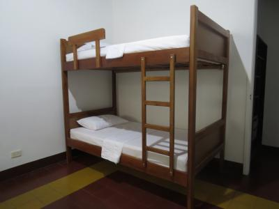 Hostele i Schroniska - HOSTEL CASA PRADO
