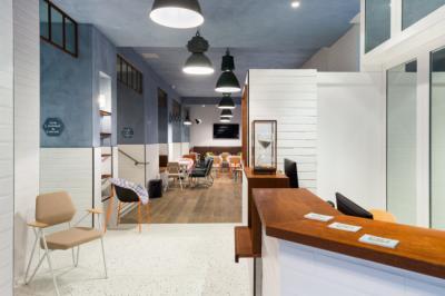 Hostele i Schroniska - Hôtel Ozz by Happyculture